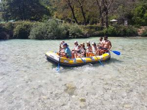 paradise rafting club 1