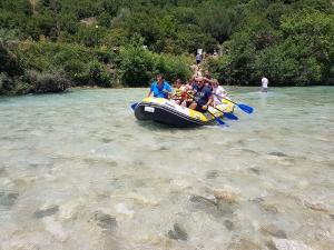 paradise rafting club 12