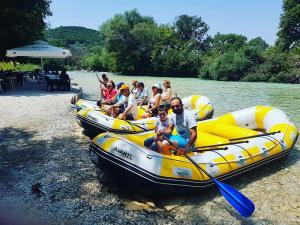 paradise rafting club 15