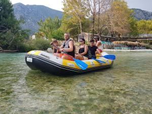 paradise rafting club 5