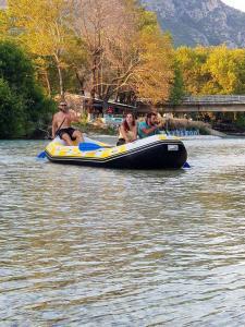 paradise rafting club 8
