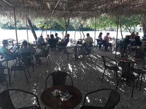 cafe-bar-taverna-o sotiris-axerontas-15