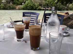 cafe-bar-taverna-o sotiris-axerontas-18